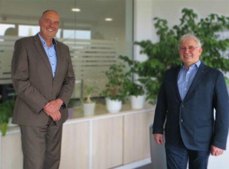 Foto: Dr.-Ing. Karsten Gruber (Vertreter der Geschäftsführung Sweco GmbH) und Dipl.-Ing. Hans-Jürgen Mark (Geschäftsführer Mark und Pieler Ingenieure GmbH)