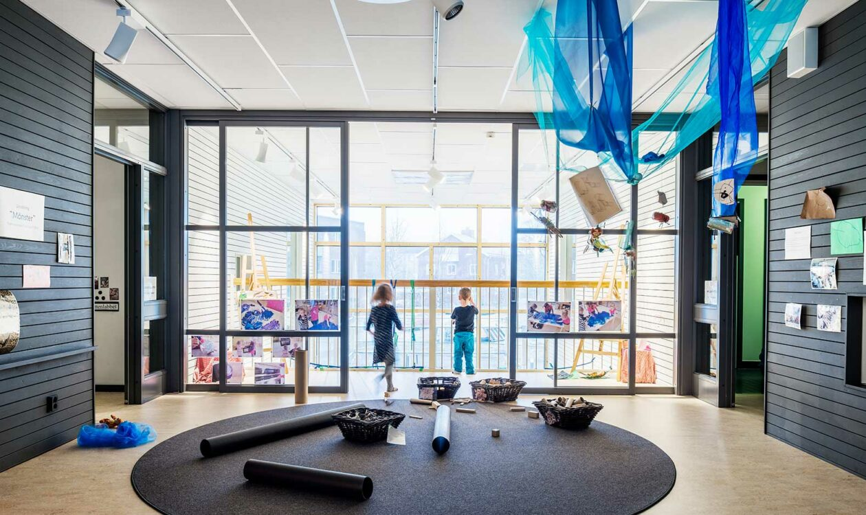 Hedlunda-upper-gallery-facing-art-studio-(photo-Felix-Gerlach)